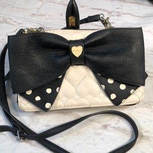 Betsey Johnson crossbody purse. Bow!